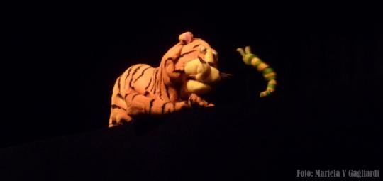 Un tigre en el gallinero2